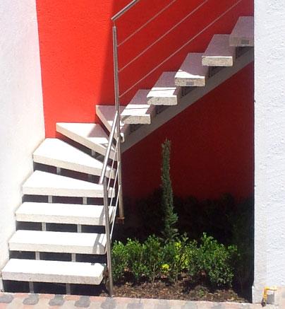 Barandales de Acero Inoxidable y Escaleras